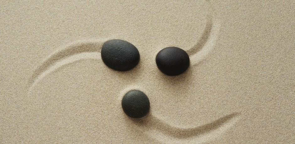Steine auf dem Sand